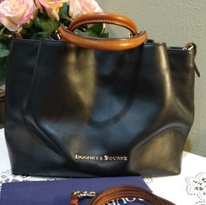 DOONEY AND BOURKE BLACK LARGE BARLOW